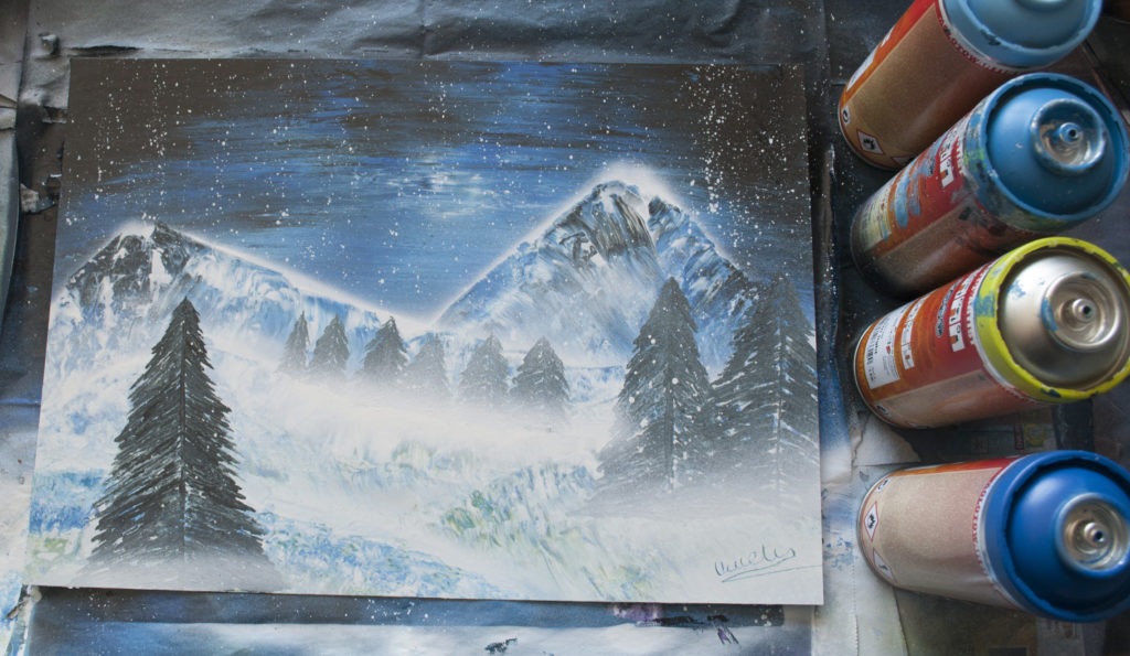 Montagne enneigé spray paint art by Ucuetis